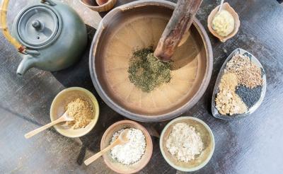 特色客家擂茶三吃「甜、鹹、辣」不同口感!
